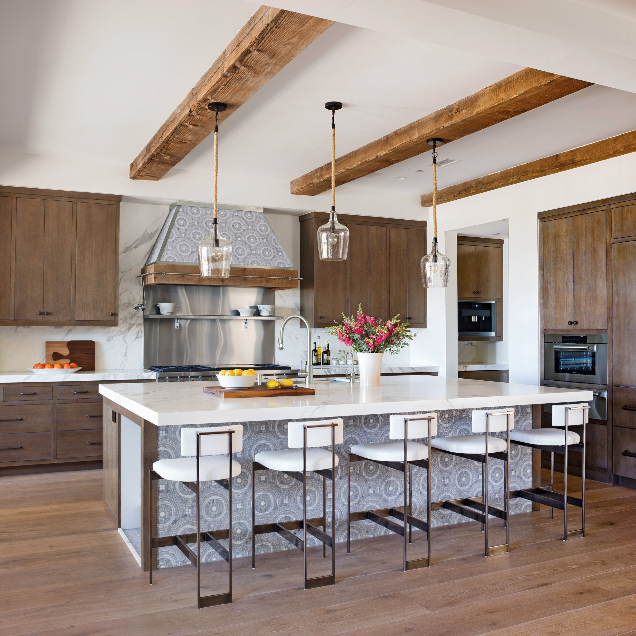 Kitchen Counter And Stools The Top 25 Kitchen Color Schemes For A Look You Ll Love Forever