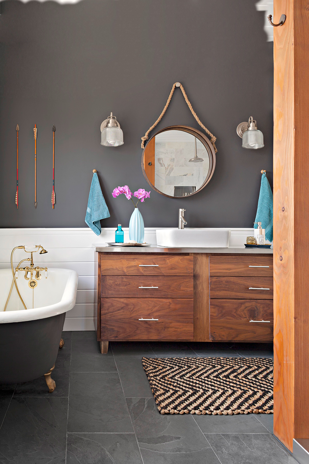 12 Popular Bathroom Paint Colors Our Editors Swear By Better Homes Gardens