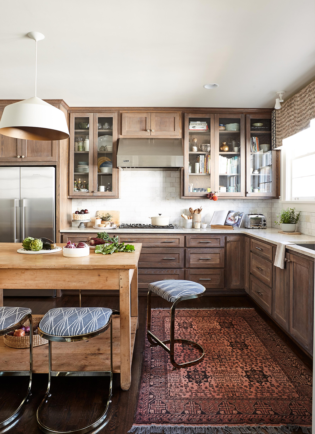 Kitchen Cabinets Red Oak Floors How To Choose Cabinet Materials Better Homes Gardens
