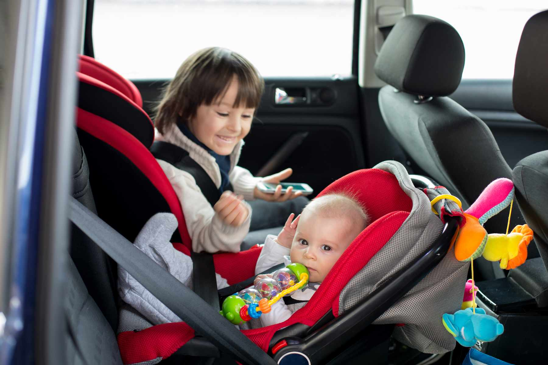 Infant Carrier Car Seat Guide How To Choose The Right Car Seat For Your Child Parents