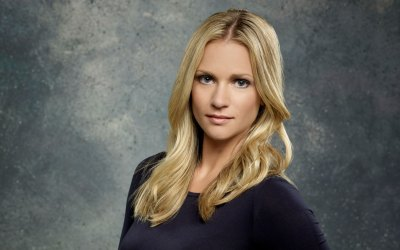 A.J. Cook Spills Criminal Minds Season 9 Secrets: 'JJ Is Not Who You Think She Is'