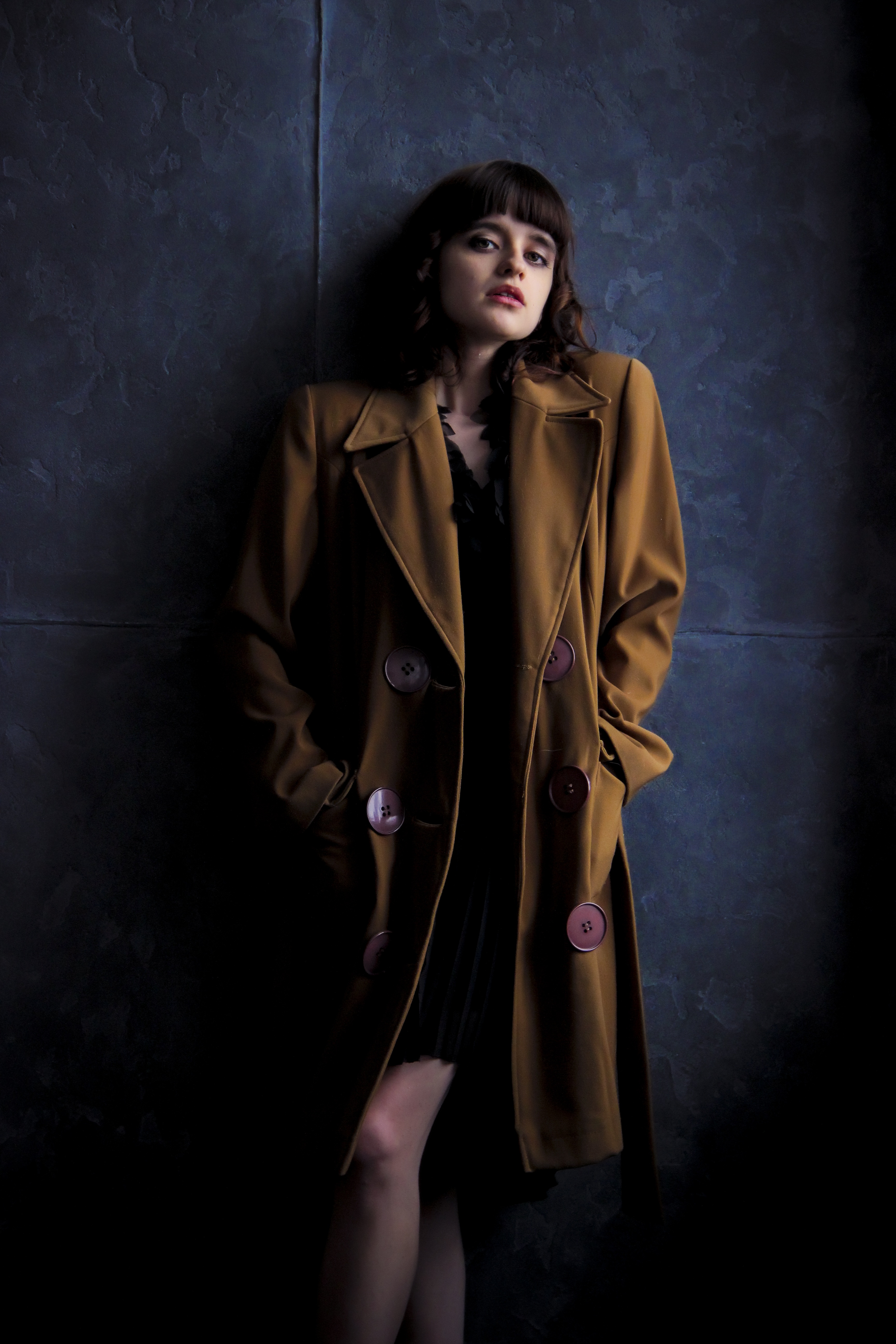Beautiful Girl Wallpapers Free Woman Wearingbrown Trench Coat 183 Free Stock Photo
