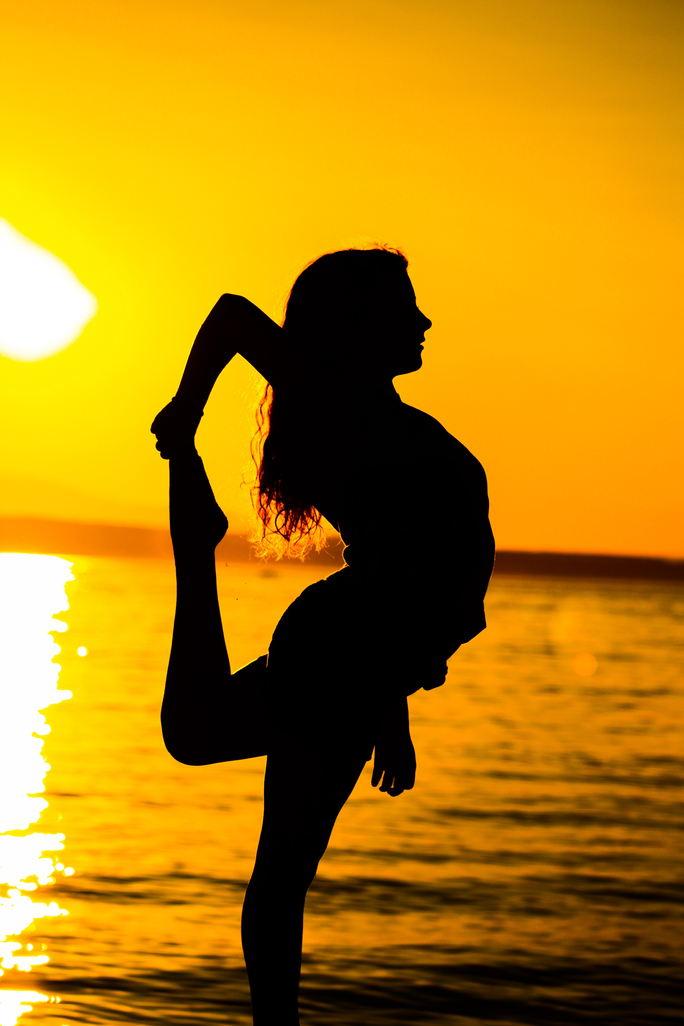 Girl Silhouette Wallpaper Woman Standing On Beach During Sunset 183 Free Stock Photo