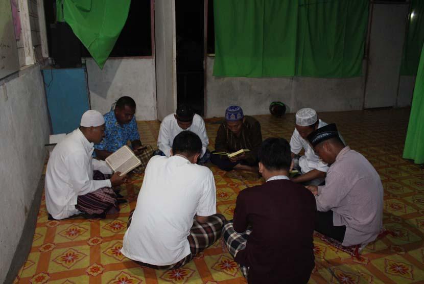 Kegiatan halaqah Alquran di Boven Digoel, Papua,  yang diadakan oleh BMH.