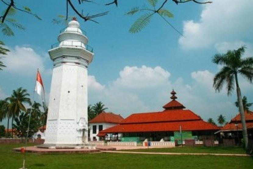 Masjid Agung Banten Lama di Provinsi Banten.