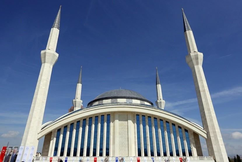 Masjid Ahmet Hamdi Akseski