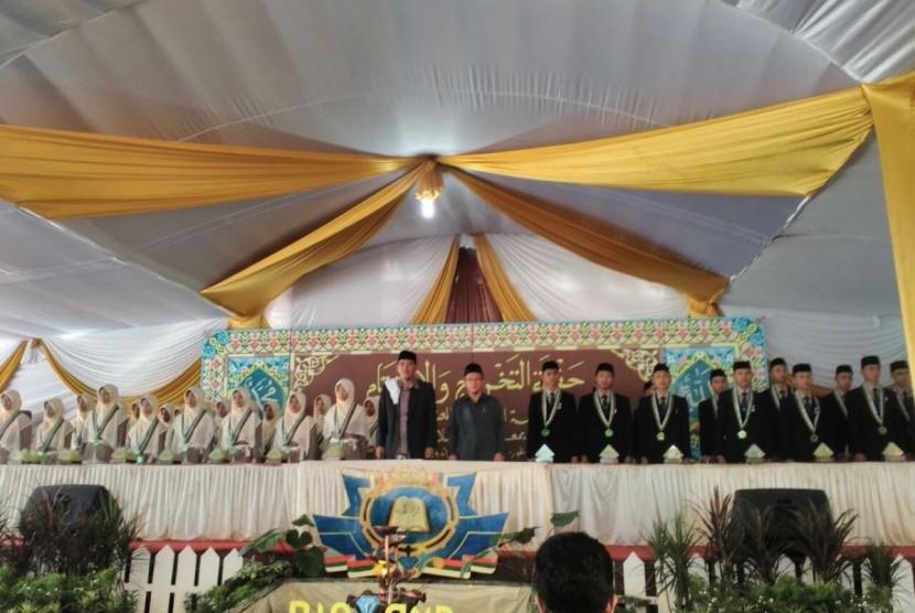Pondok Pesantren Darussalam Bogor mewisuda 39 santri angkatan ke-21