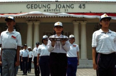 Dessy Ratnasari Upacara Bendera Bentuk Rasa Cinta Bertanah Air