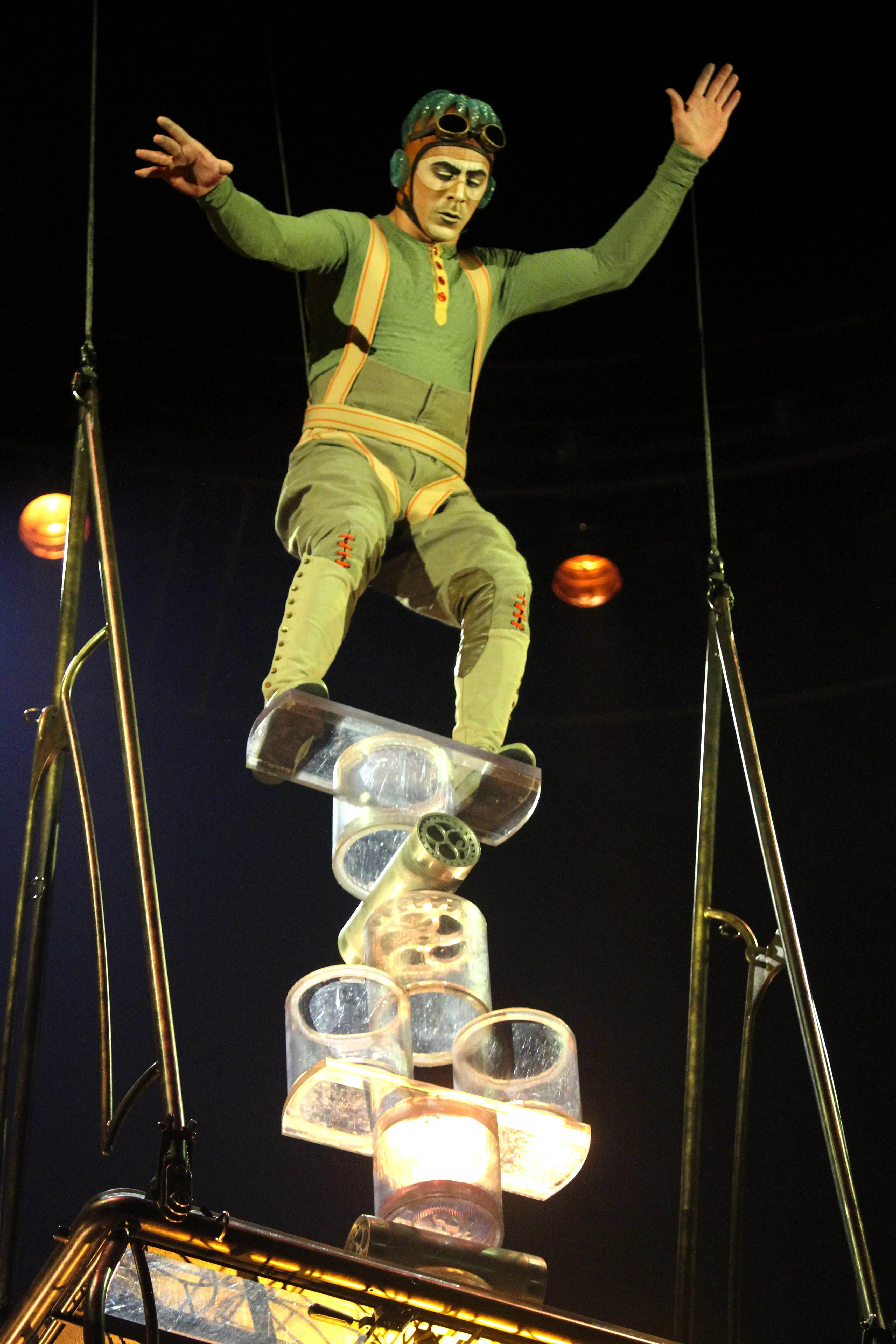 Steampunk Mode Cirque Du Soleil's 'kurios' Thrills In Steampunk Mode