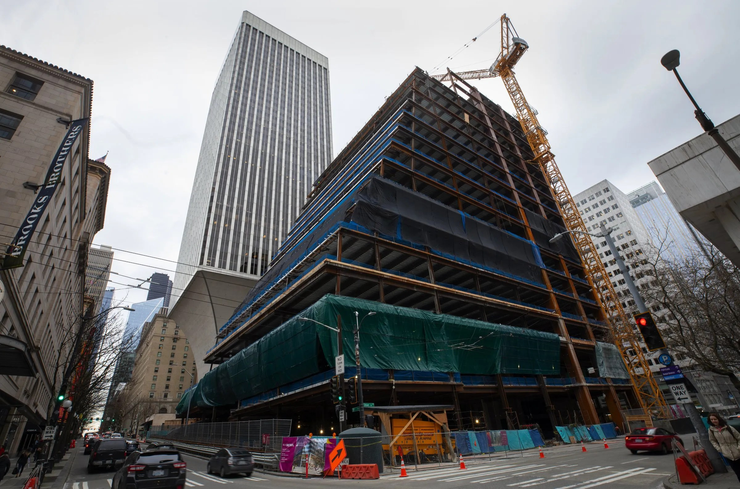 Amazon abandons plan to occupy huge downtown Seattle office building