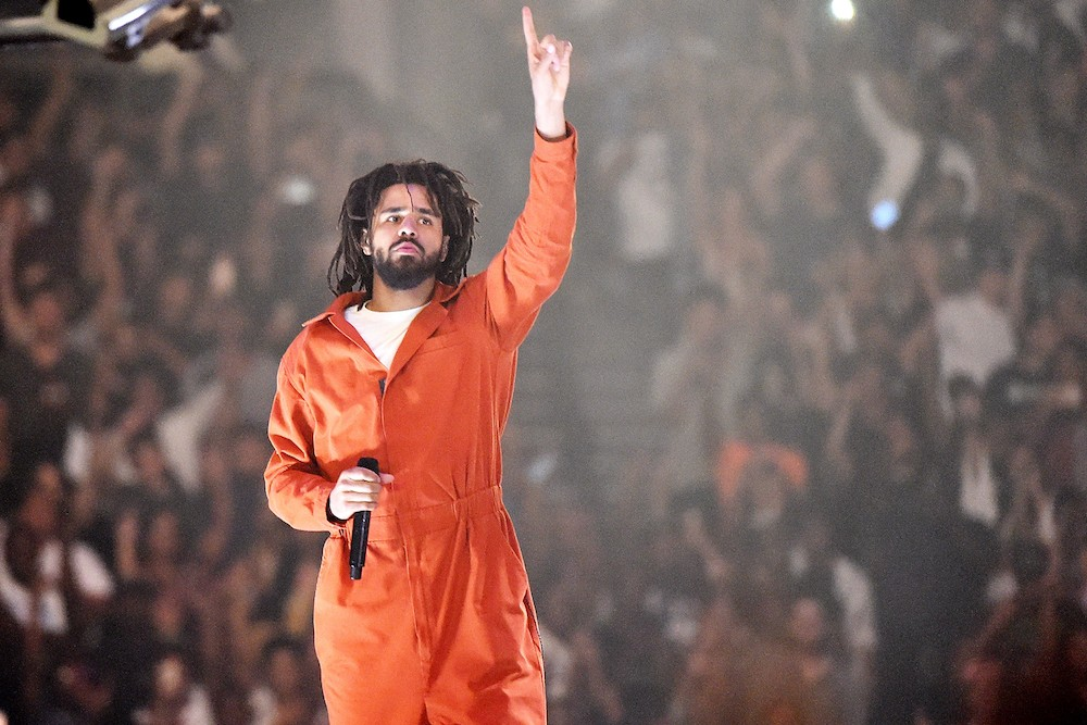 Mic Wallpaper Hd J Cole Speaks Out In Support Of Colin Kaepernick At