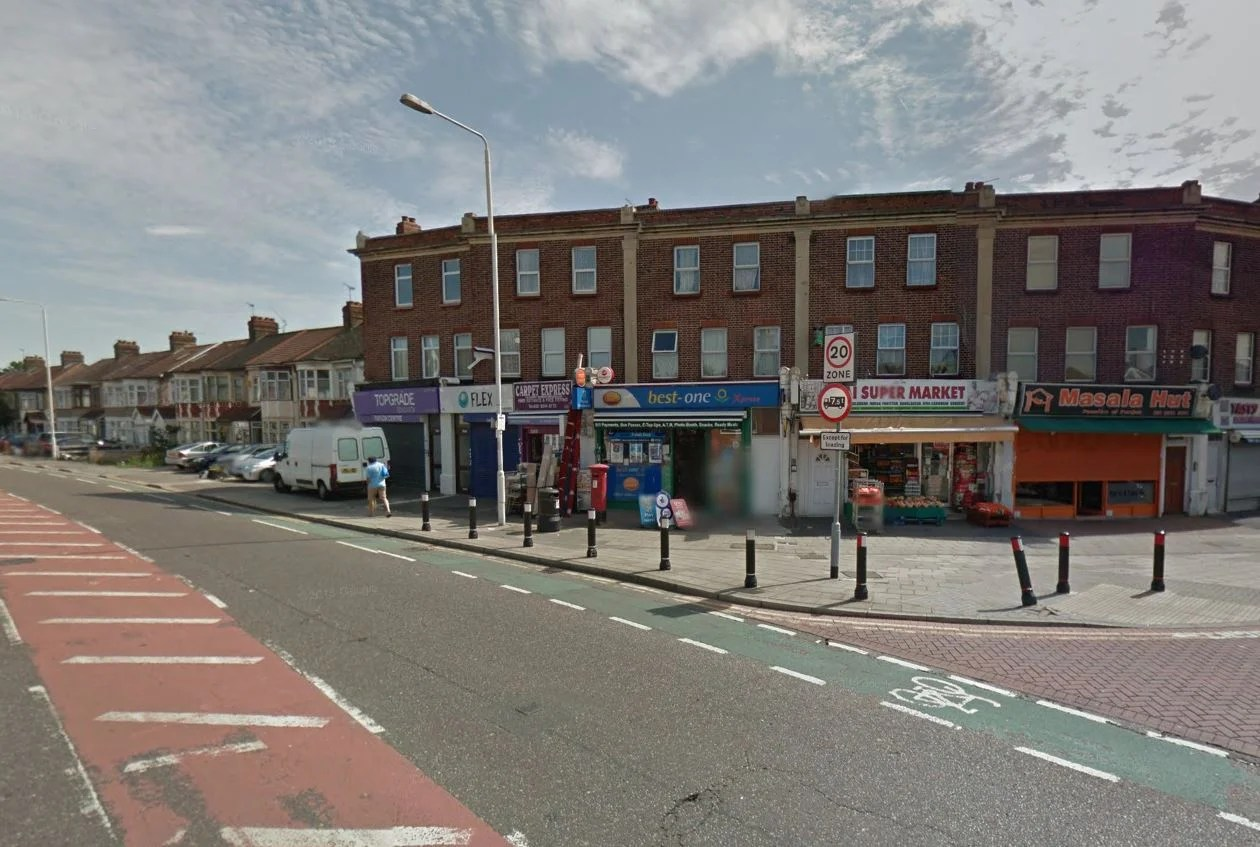 Ilford Double Stabbing Two Men Knifed In Attack Near
