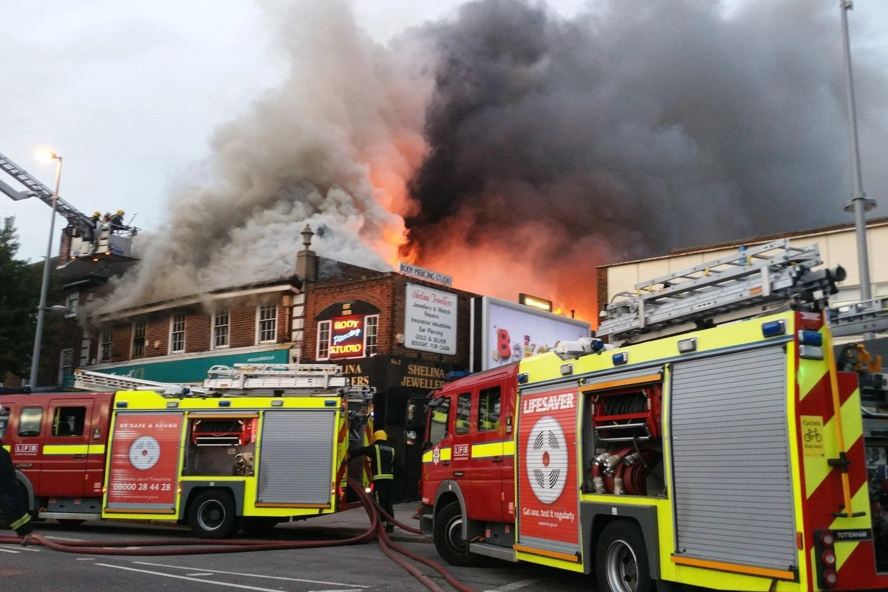 Chingford Fire Homes Evacuated As Huge Fire Devastates