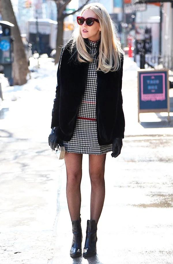 vestido com meia calça look street style para copiar