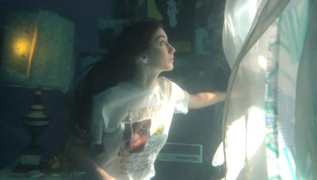 Weyes Blood \u0027Titanic Rising\u0027 Interview Behind The Underwater Album