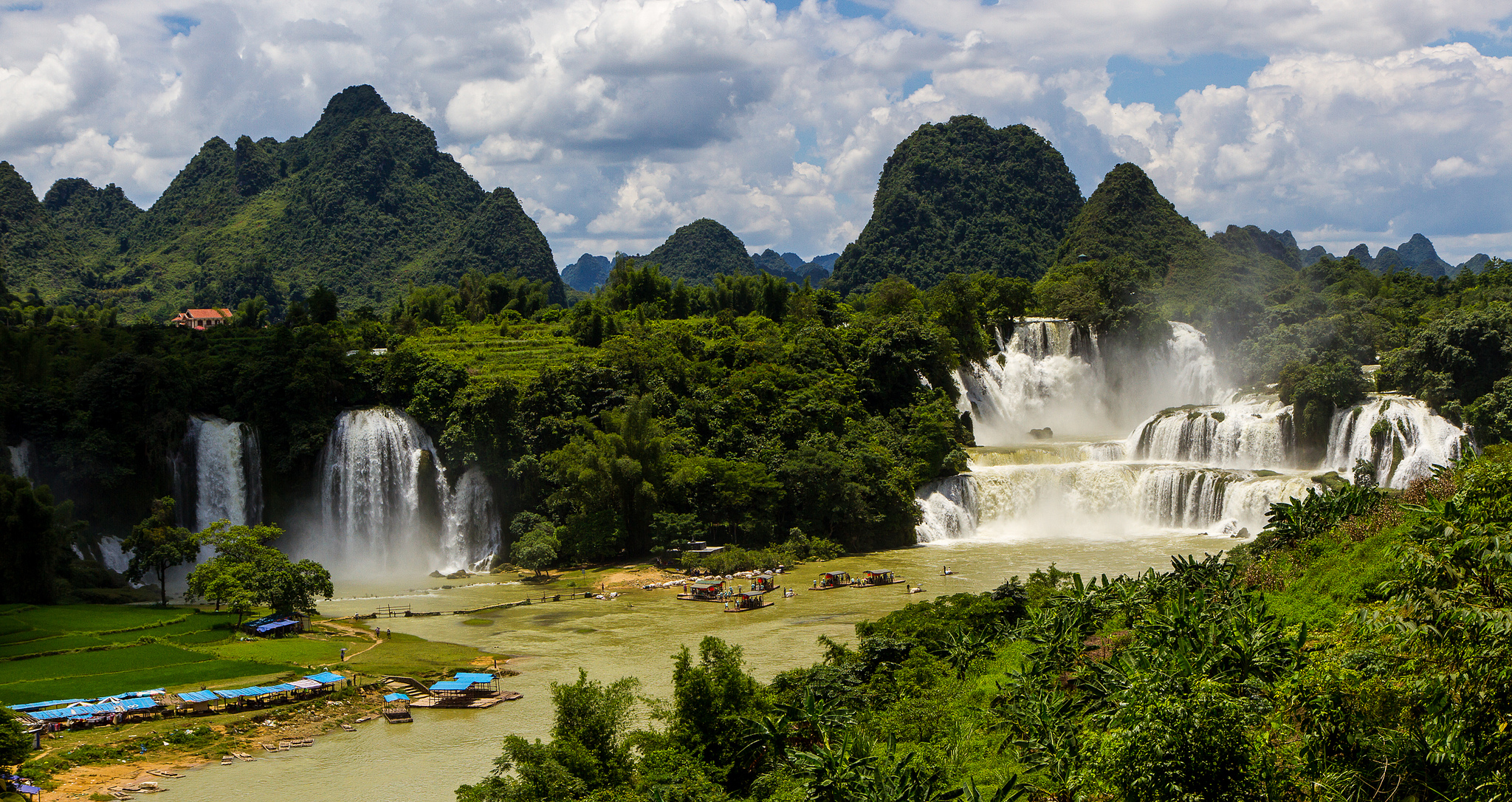 Free Fall Waterfall Desktop Wallpaper Ban Gioc Detian Falls Waterfall In Vietnam Thousand