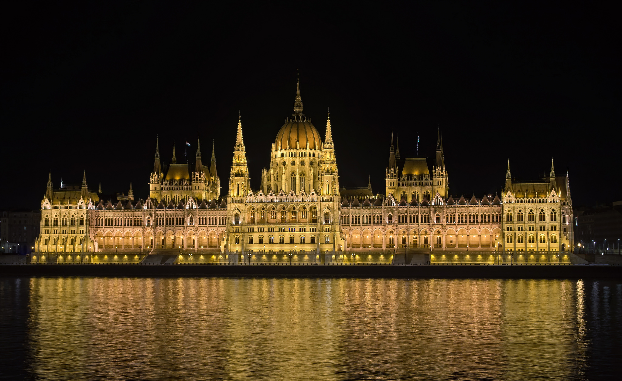 Palace Wallpaper Hd Budapest Parliament Legislative Building In Budapest