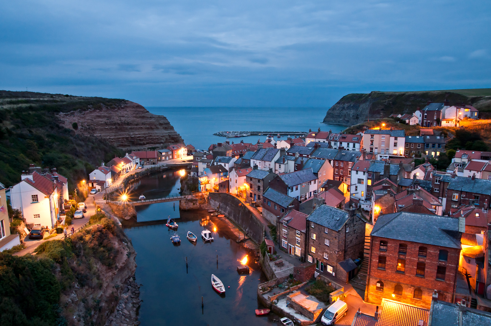 Fishing Boat Wallpaper Hd Staithes Village In England Thousand Wonders