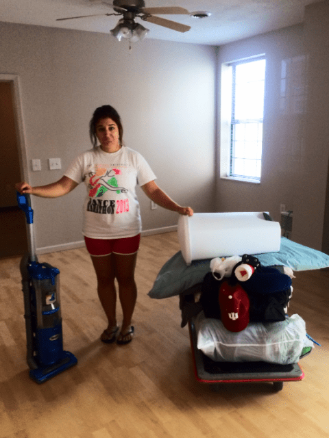 12 Thoughts While Moving Out of Your First Apartment | Candidly Kelsey