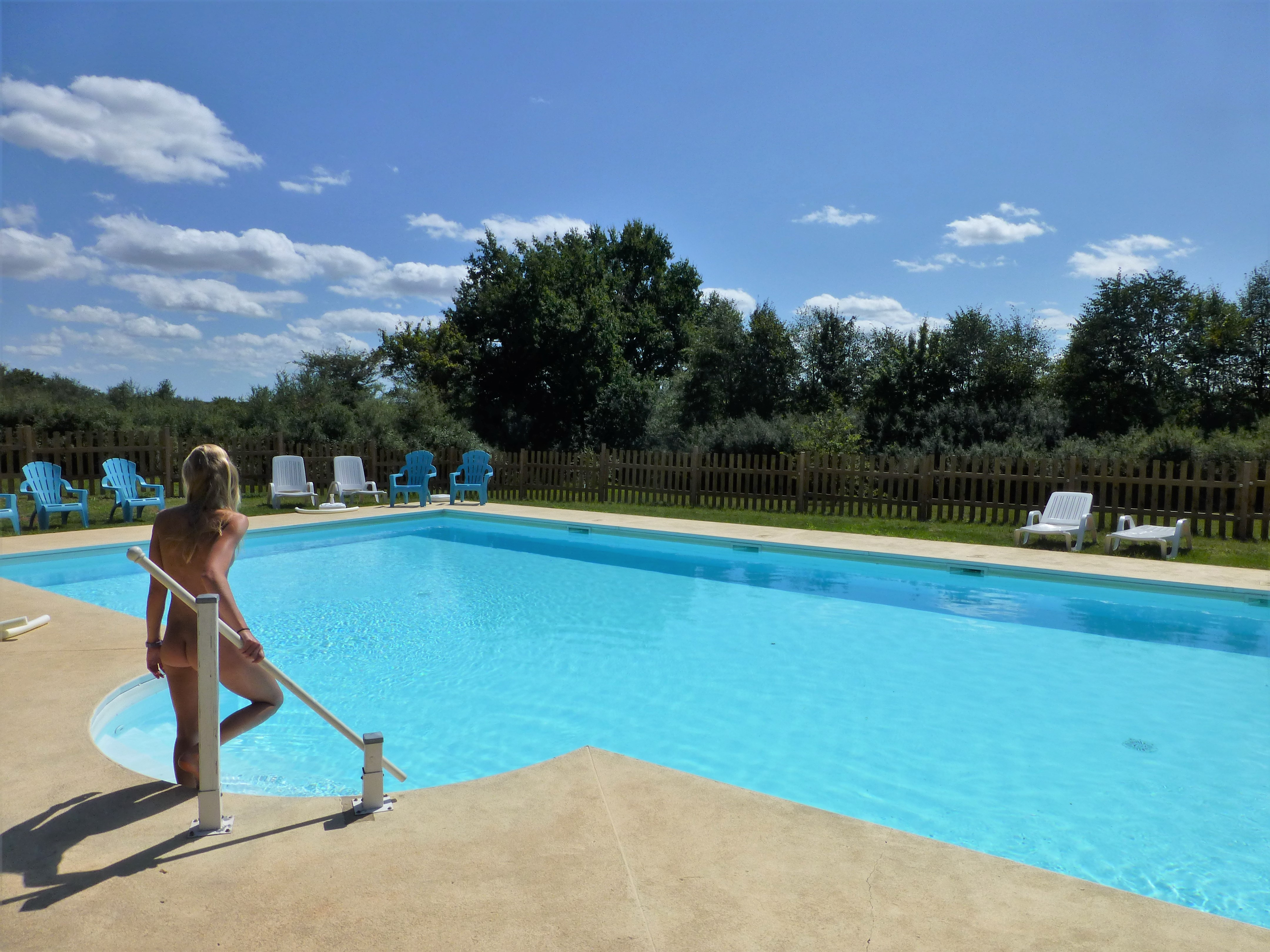 Naturistencamping Met Zwembad Camping Naturistencamping Les Fourneaux Couzon