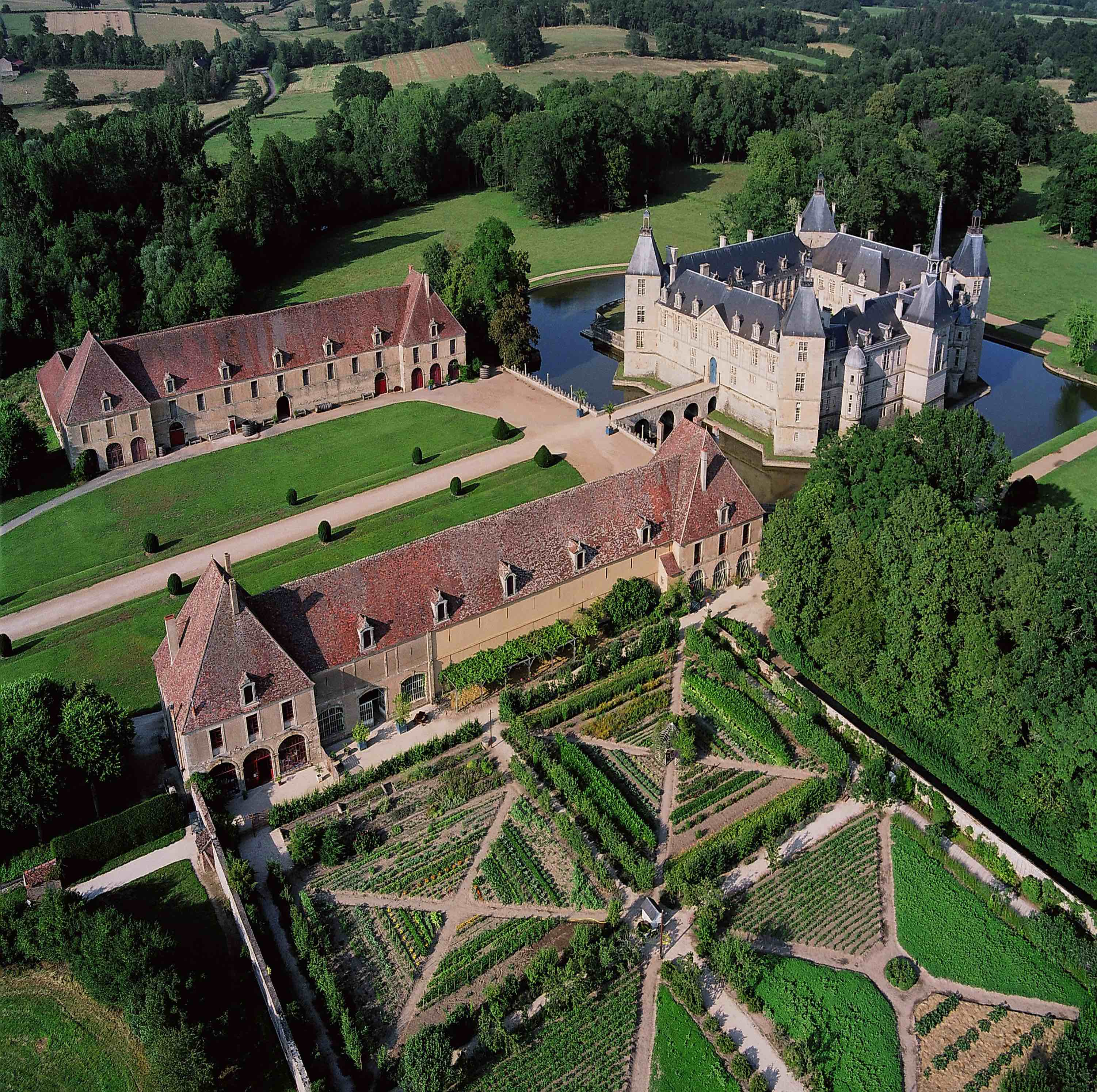 Bourgogne Chateau Chateau De Sully Welcome