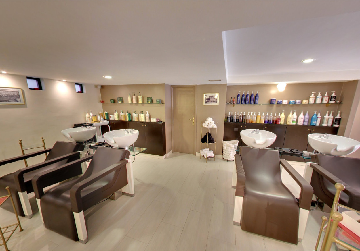 Salon Marrakech Chris Hairdesser Colour Hairextension Facial Mani Pedi Nails