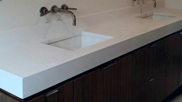 Man-Made Or Au Naturale? Quartz V.S. Granite | Elite Marble And