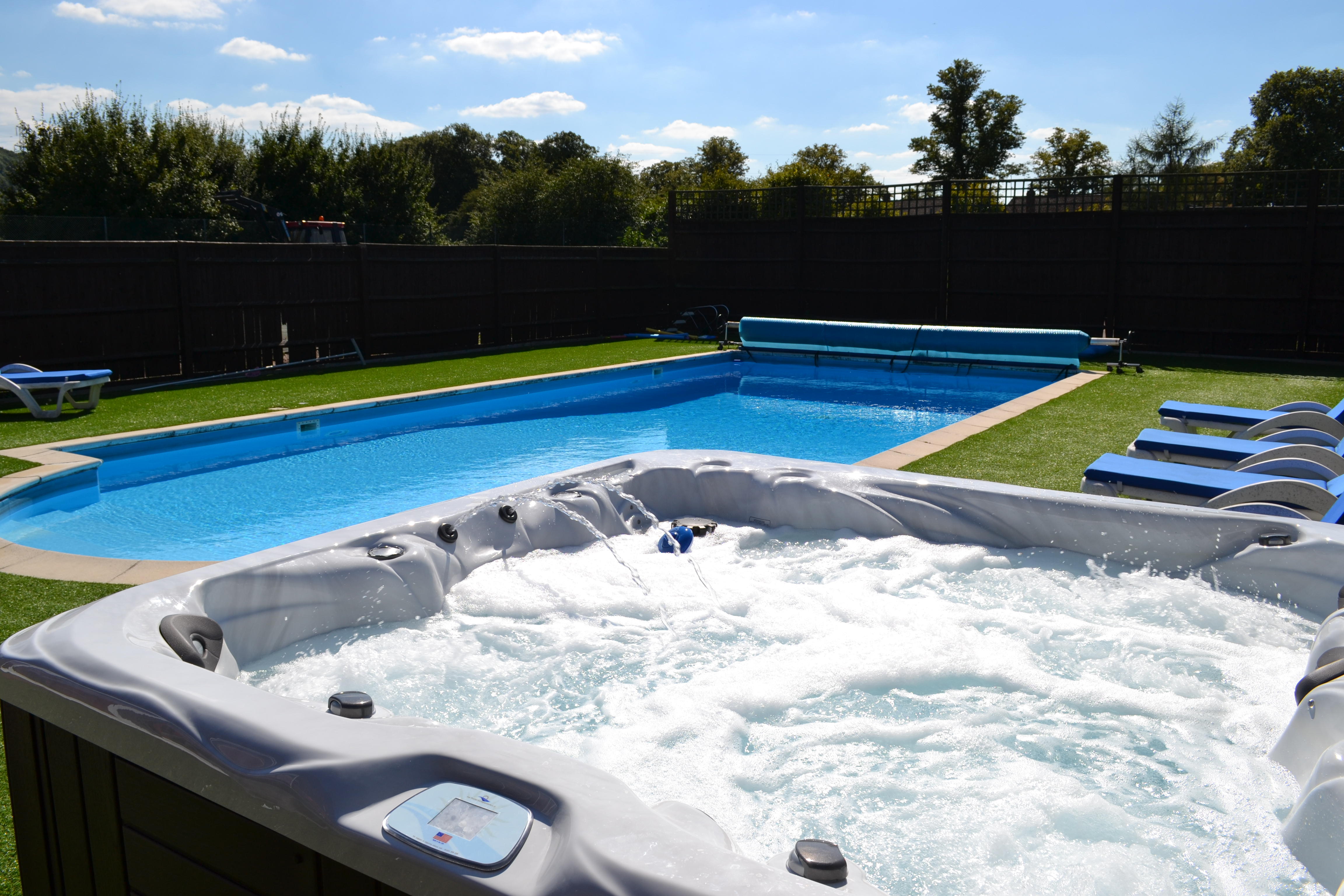 Jacuzzi With Swimming Pool Vacation Rental With Hot Tub The Pool House At Upper Farm Henton