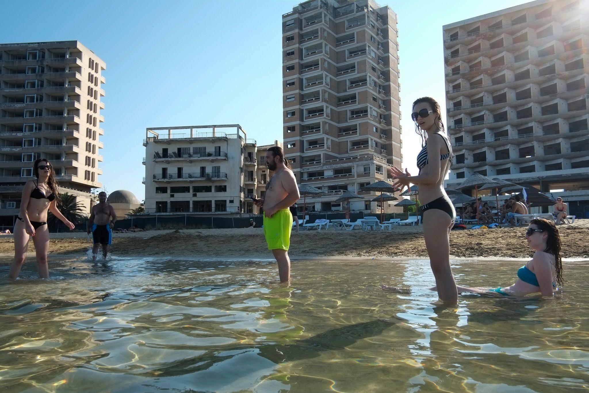 Mercedes Car Wallpaper For Mobile Cyprus Resort Varosha Remains Sealed Off To Visitors