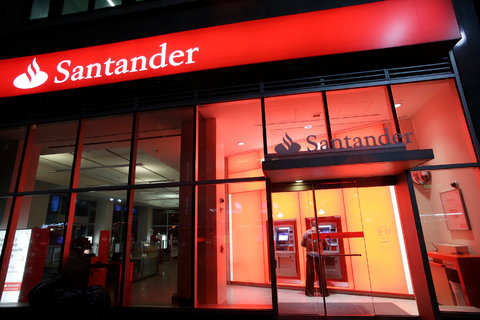 Fed Rebukes US Branch of Santander - The New York Times