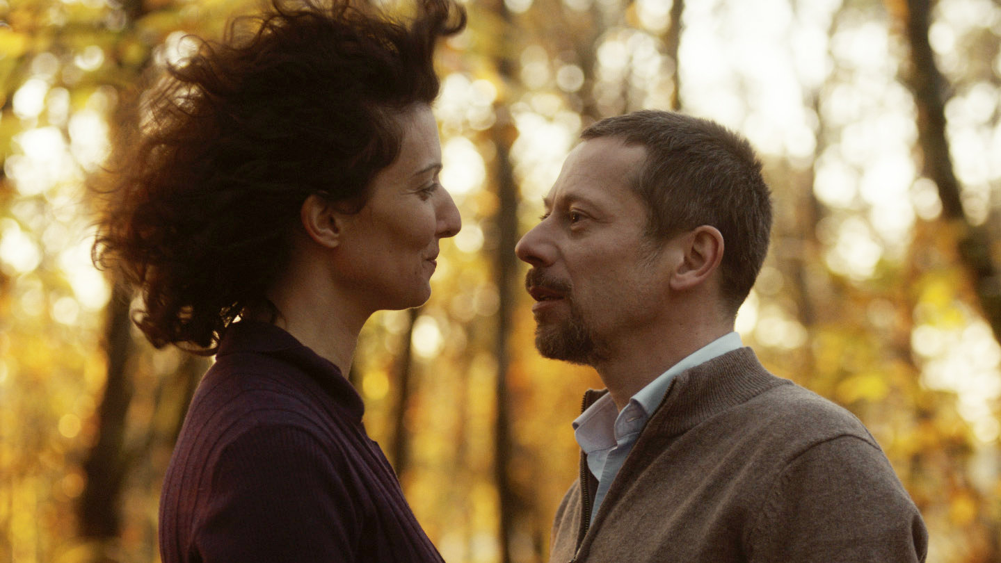 La Chambre Bleue Watch Online English Subtitles Mathieu Amalric Takes On The Blue Room The New York Times