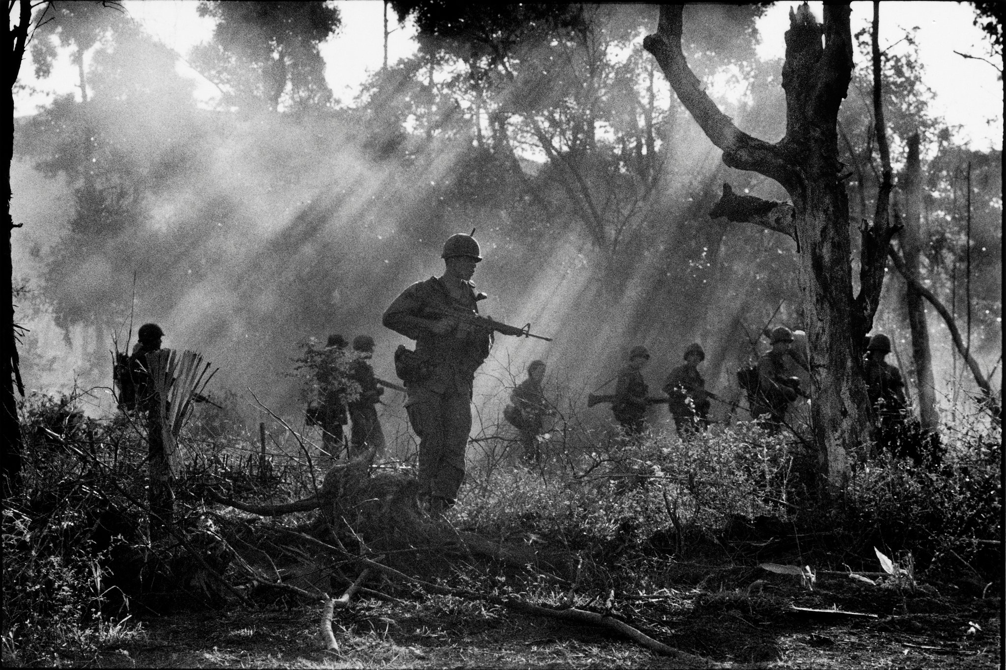 Leroy Lens Catherine Leroy In Background Center During A Jungle Op Flickr
