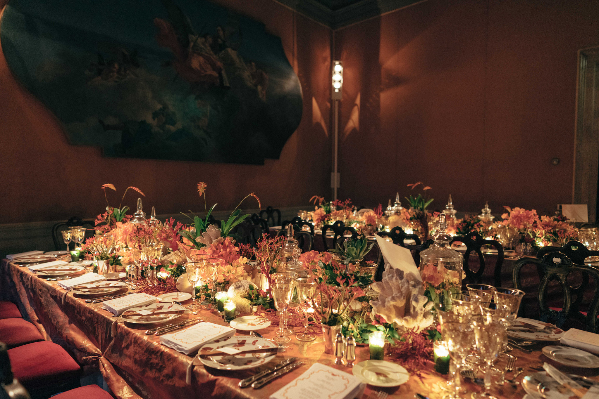 How To Decorate A Dinner Table Like A Professional The New York Times