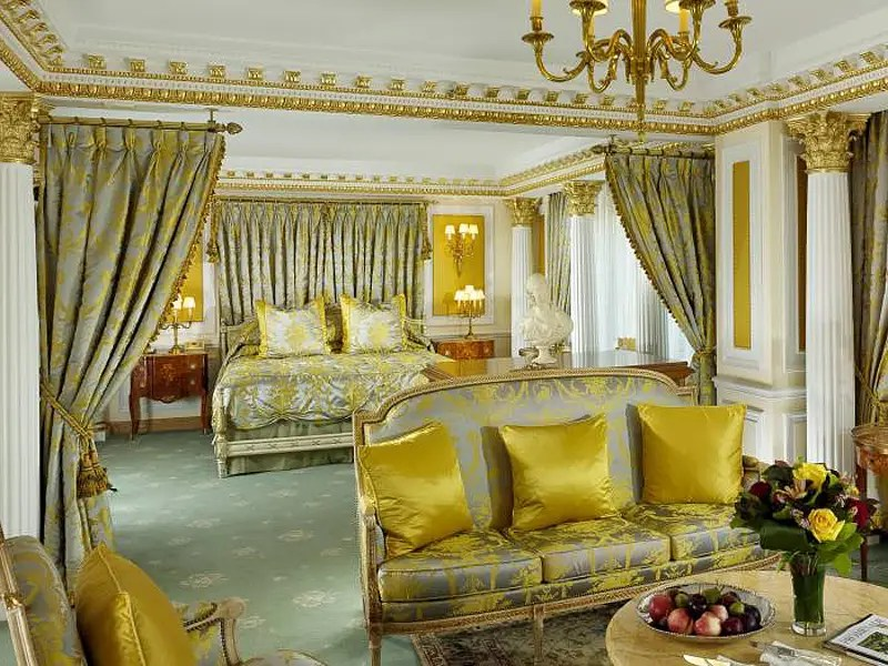 7-the-tower-royal-suite-at-the-new-york-palace-hotel-features-gold