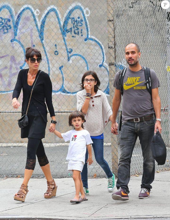 Pep Guardiola, sa femme Cristina et deux de leurs enfants, à New York le 14 septembre 2012