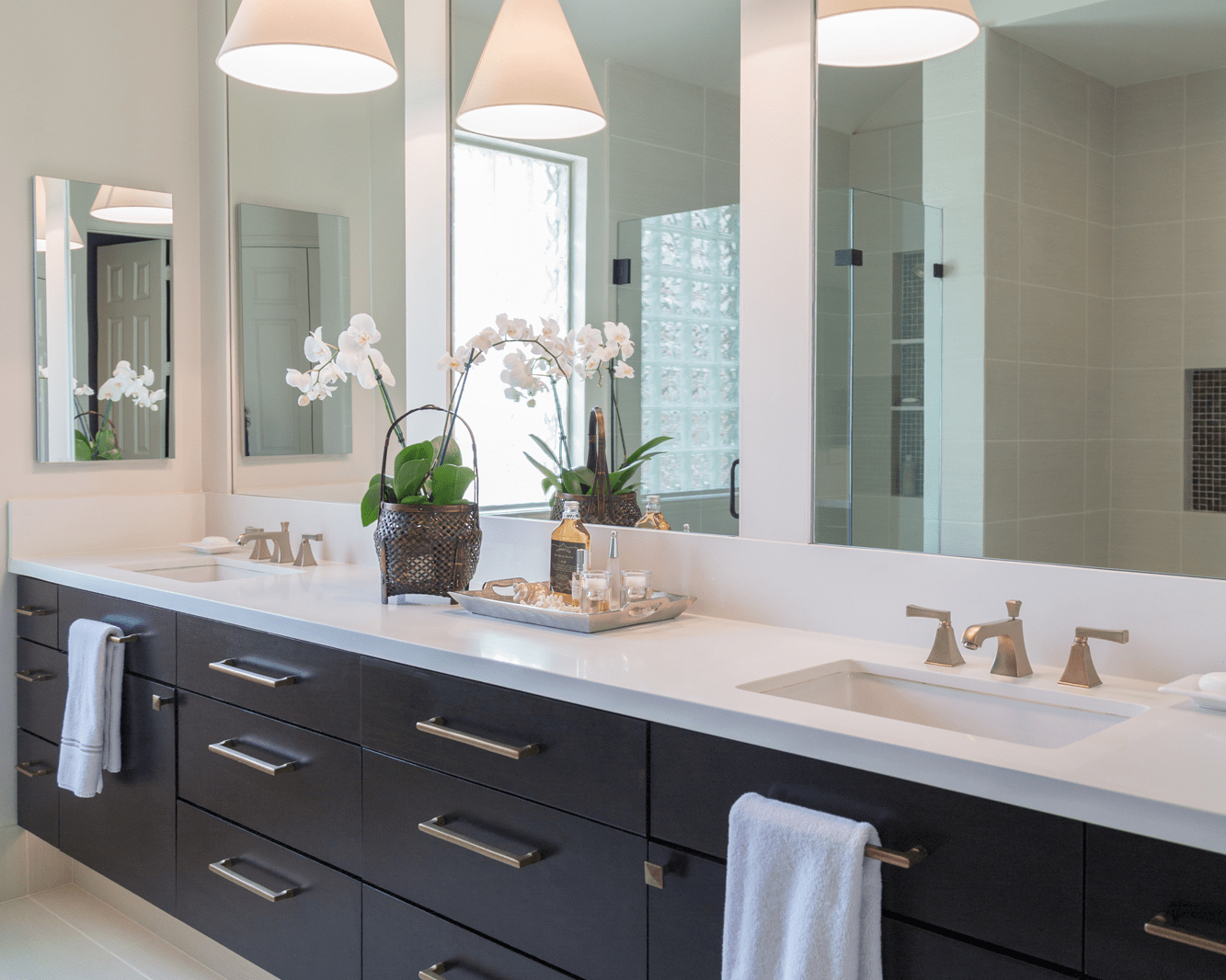 Before After A Master Bathroom Remodel Surprises Everyone With Unexpected Results Designed