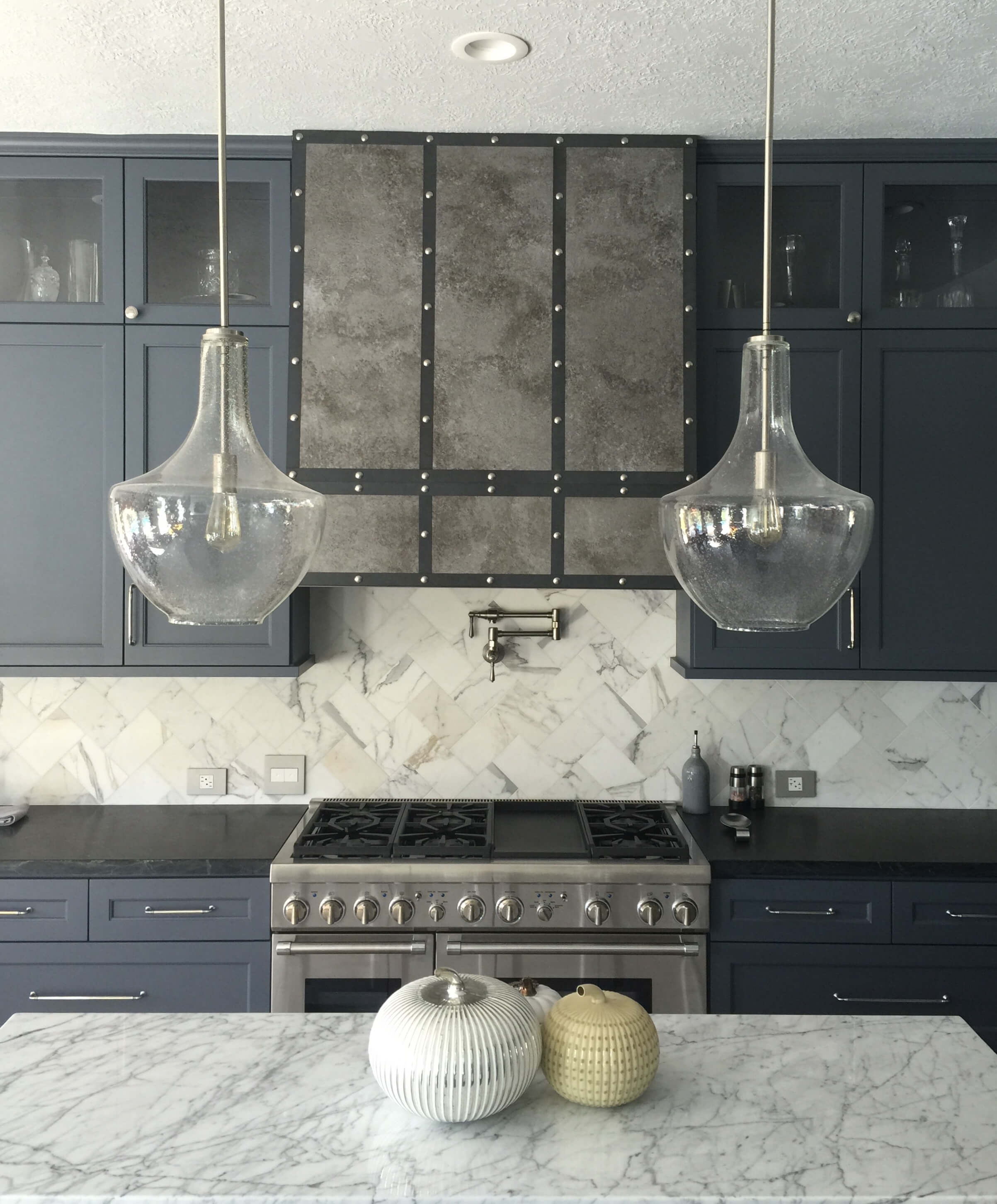 White Carrera Marble Kitchen Countertops When To Use A Natural Stone Backsplash And When Not To Designed