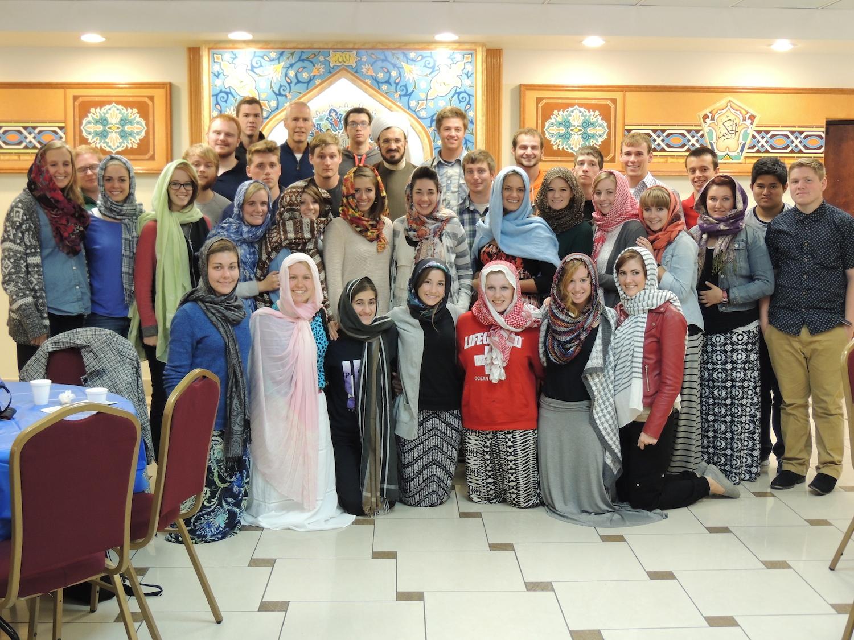 10/08/14 University Students Visit the Islamic House of Wisdom