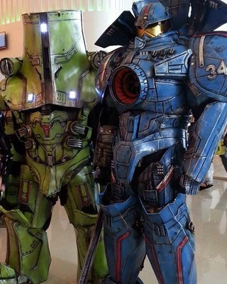 Wallpaper Geek Girl Crazy Cool Pacific Rim Jaeger Cosplay Photos And Video