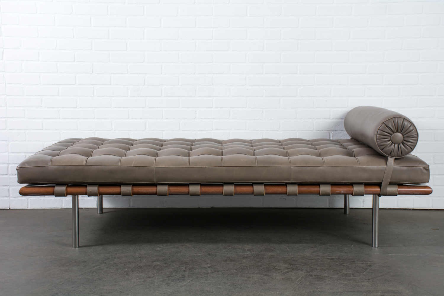 Barcelona Daybed Barcelona Daybed By Mies Van Der Rohe For Knoll