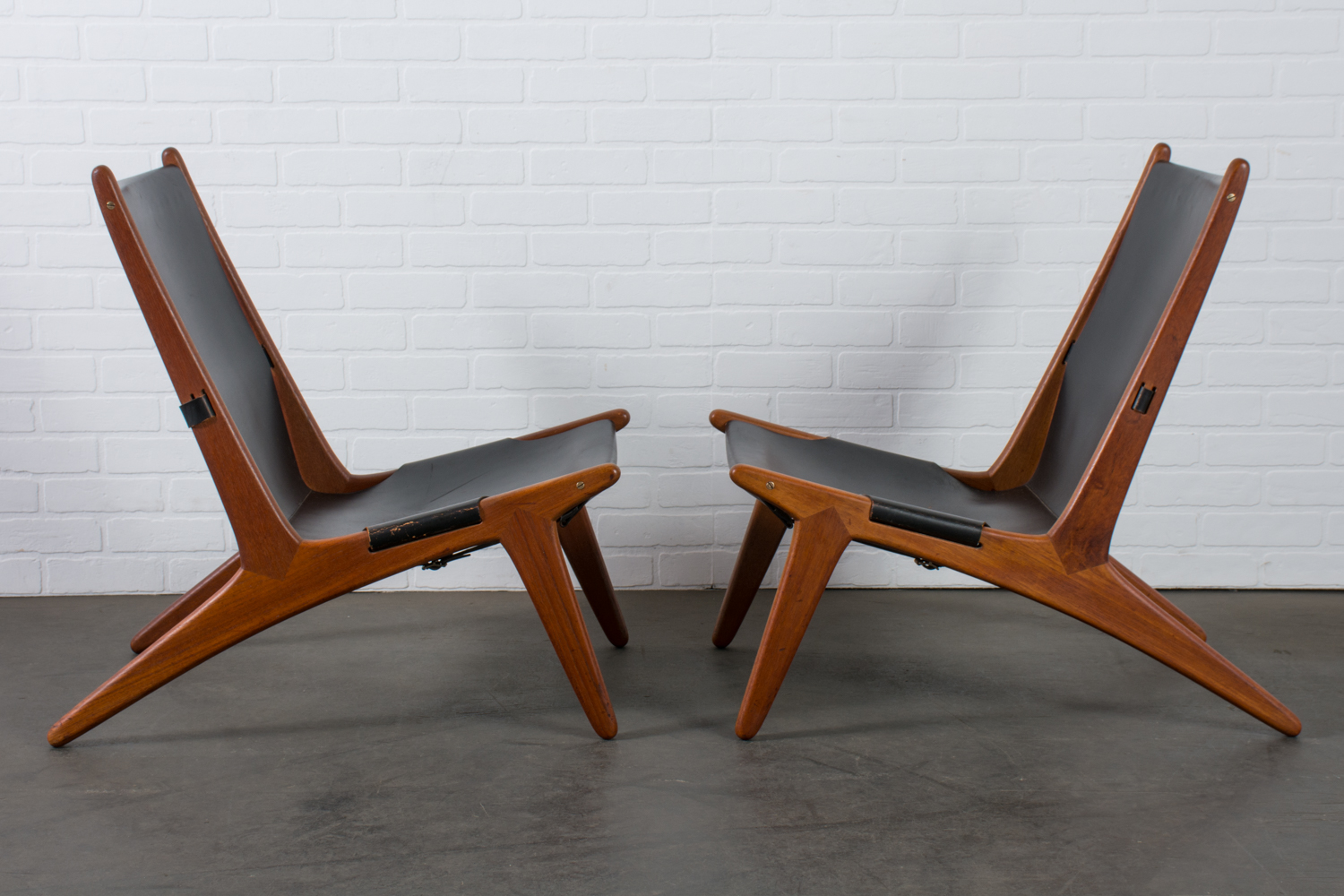 Swedish Mid Century Furniture Pair Of Hunting Chairs By Uno Östen Kristiansson For Luxus Sweden 1954