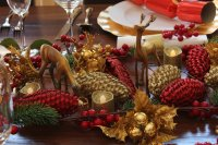 Christmas Table Settings Gold And Red | Brokeasshome.com
