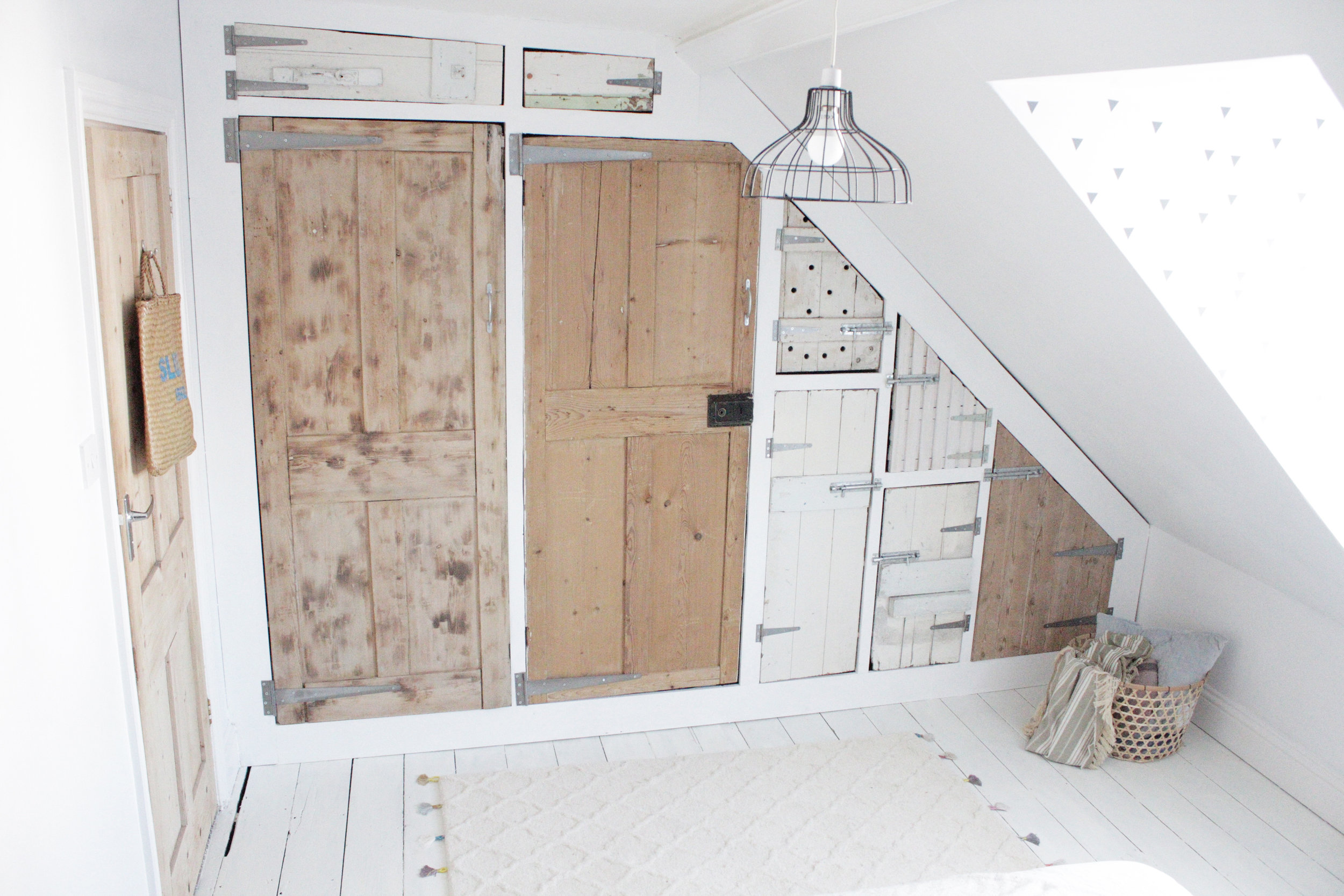 Diy Vtwonen Bank The Big Wardrobe Build Using Reclaimed Doors Part 2 Hester S