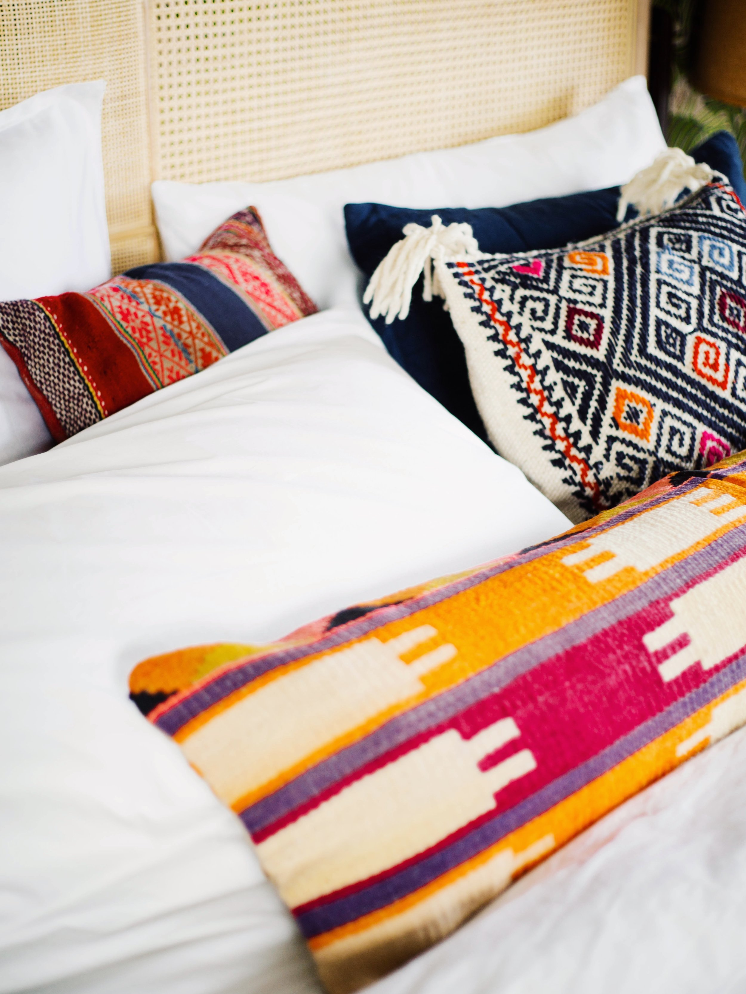 King Size Bed Throws 3 Ways To Style Your Pillows On A King Size Bed Old Brand New