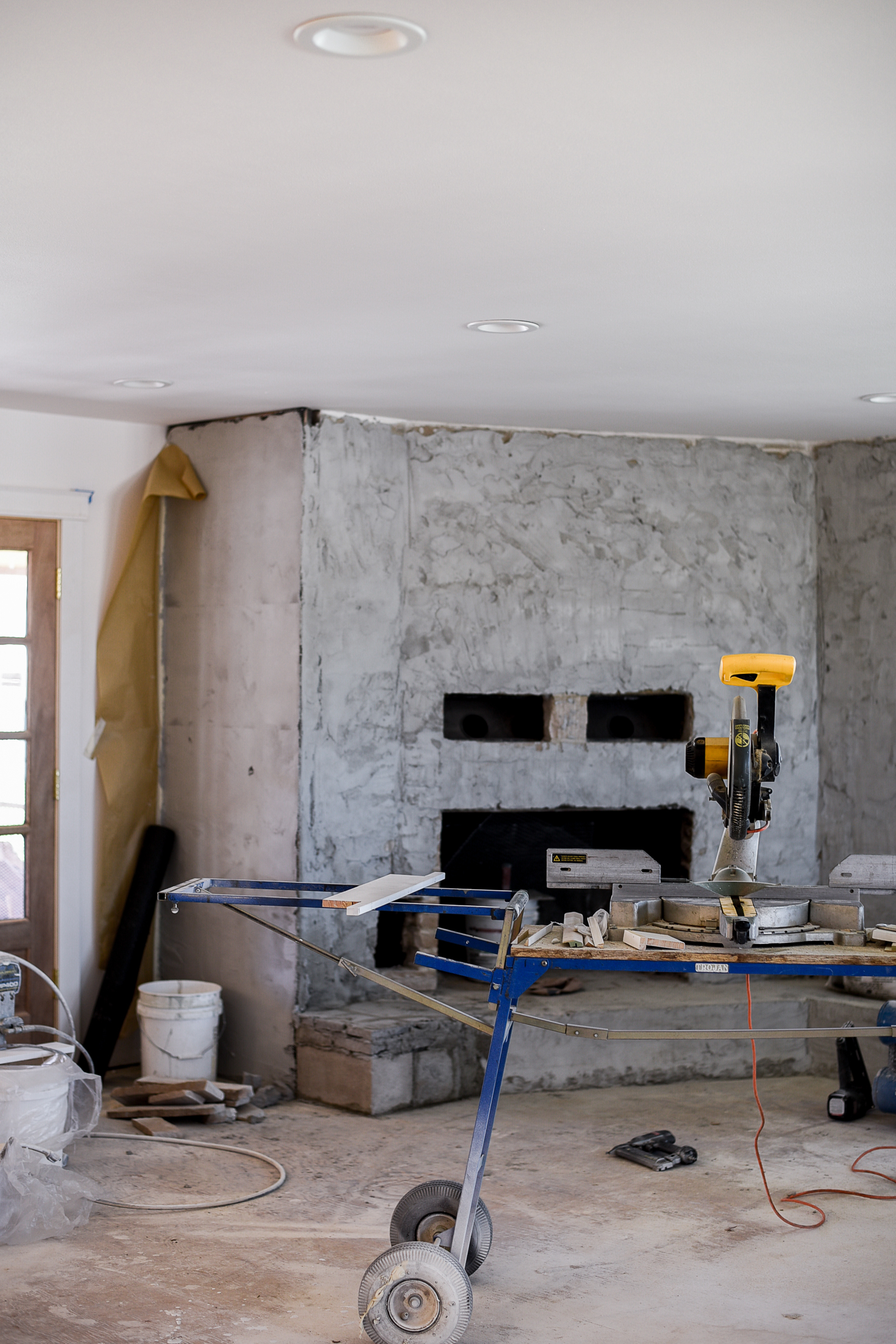 Eldorado Stone Veneer Fireplace Renovating Our Fireplace With Stone Veneers Boxwood Avenue