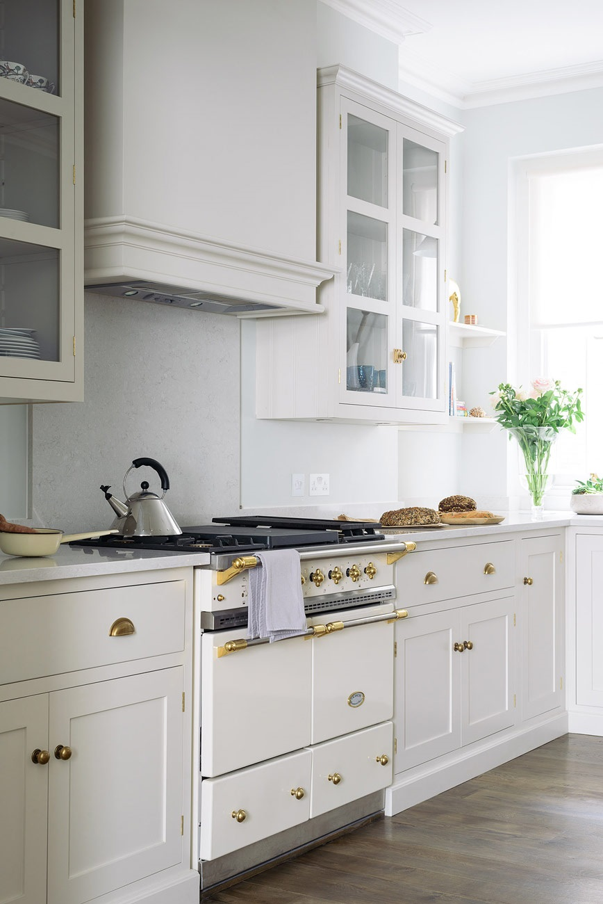 Small Enclosed Kitchen Design 6 Tips For Small Kitchen Design