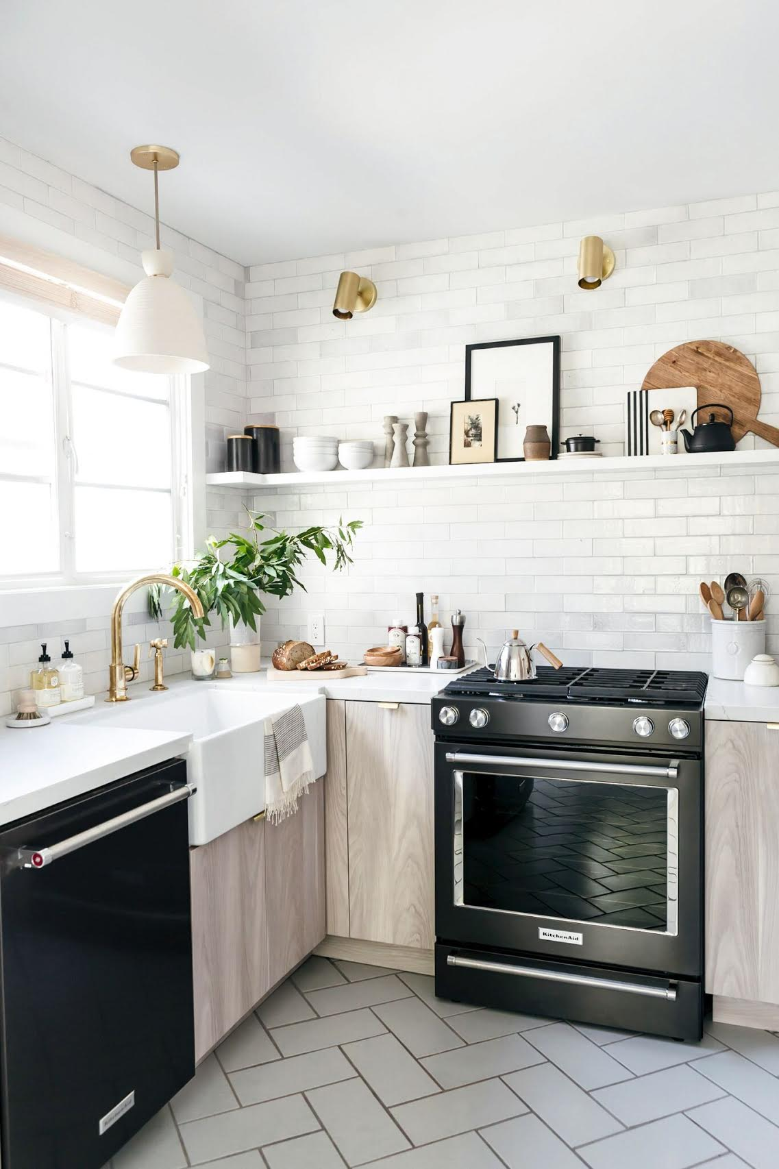Kitchen Color Design Pictures 6 Tips For Small Kitchen Design