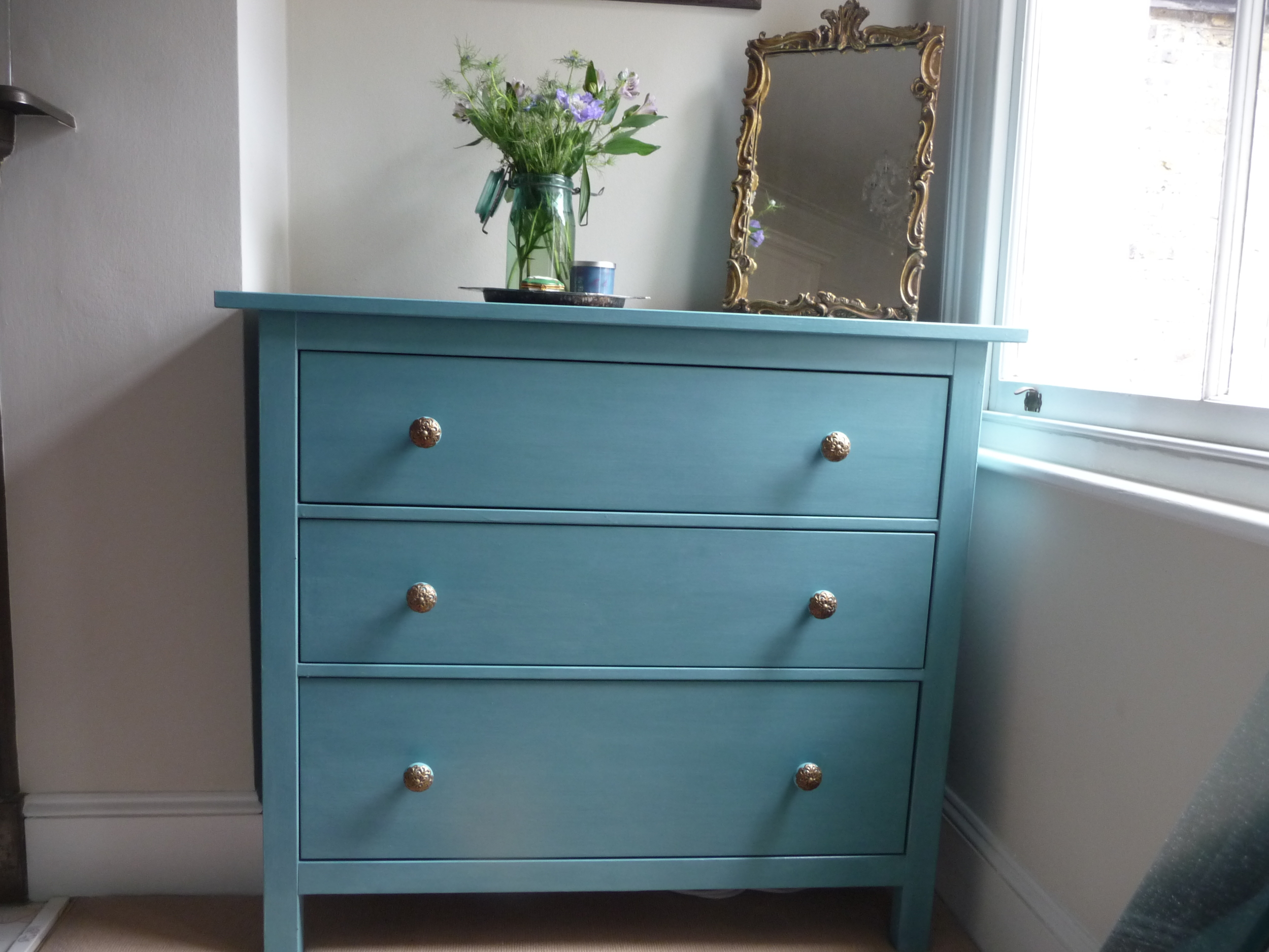 Pintar Mueble Ikea Revive A Chest Of Drawers With Annie Sloan's 'provence