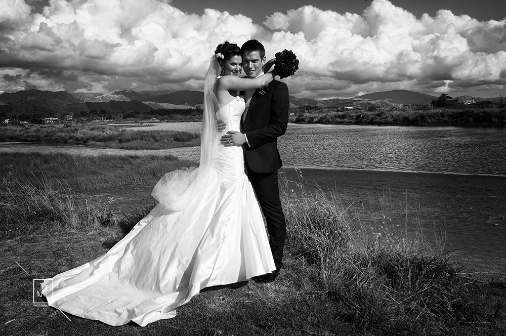 Woolf Photography - Weddings - wedding photo black and white
