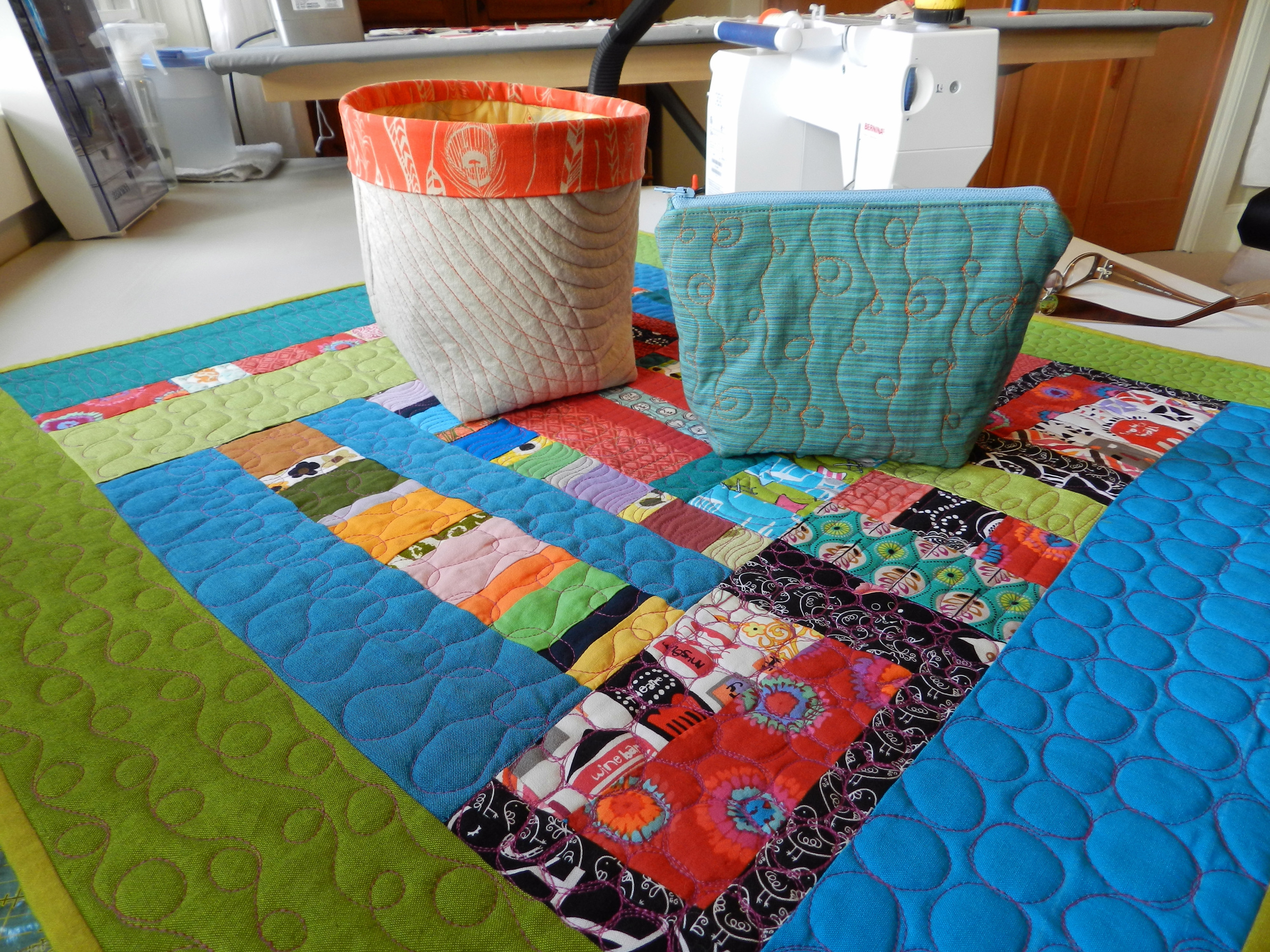Moderne Quilts Modern Machine Quilting By Pam Raby Kristin Shields